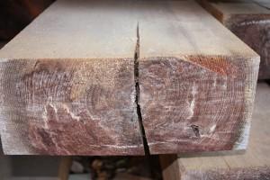 木口の貫通割れ