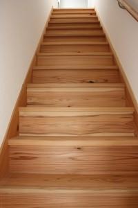 杉無垢直行階段